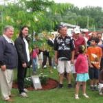 valleyfield-arbre-maire-et-plaque-2010